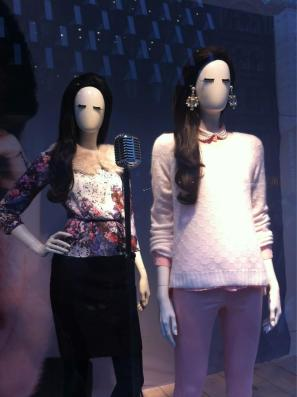 Lana Del Rey Mannequin Lips video games H&M